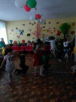 ",,Карнавал на цветята ""в ДГ,,Слънце"" 2018 г - ДГ Слънце - Радомир"